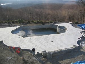 vanishing-edge-pool-landscape-design-limestone-patio-kinnelon-nj